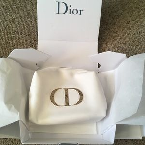 NWOT Dior makeup pouch